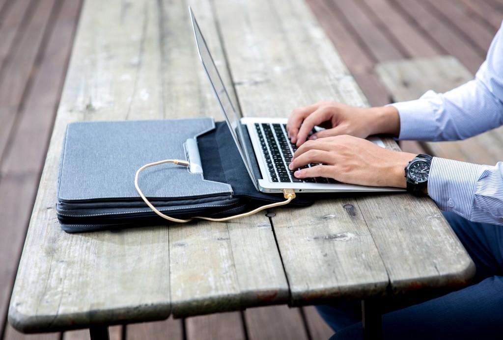 [影片] COMPUTEX 桃子良品 BoardPass Bag 博思包(ARKY Design)還有行動電源腰包 @3C 達人廖阿輝